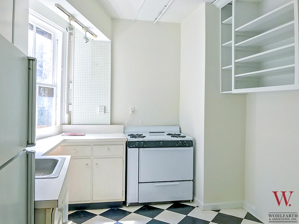 132224906320 west 87th apt 4w1   kitchen