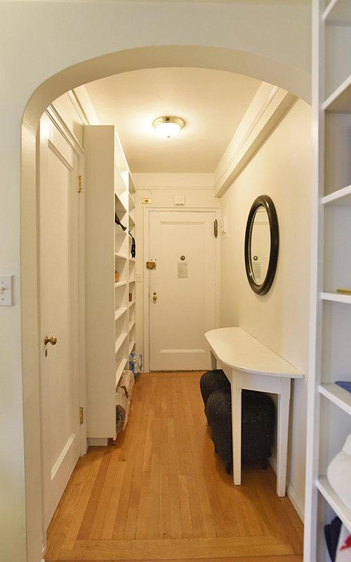 132384518299 w12 hallway