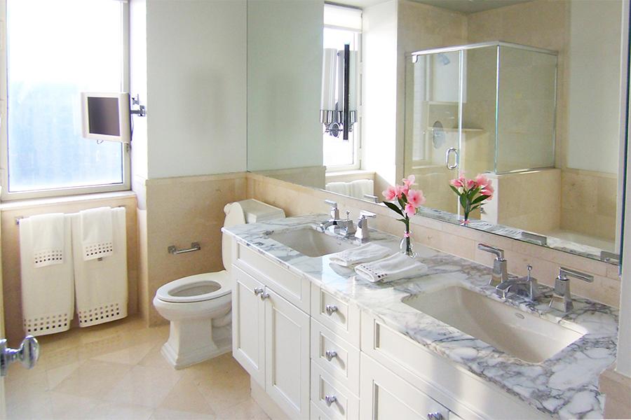 1452479565 master bathroom web 900