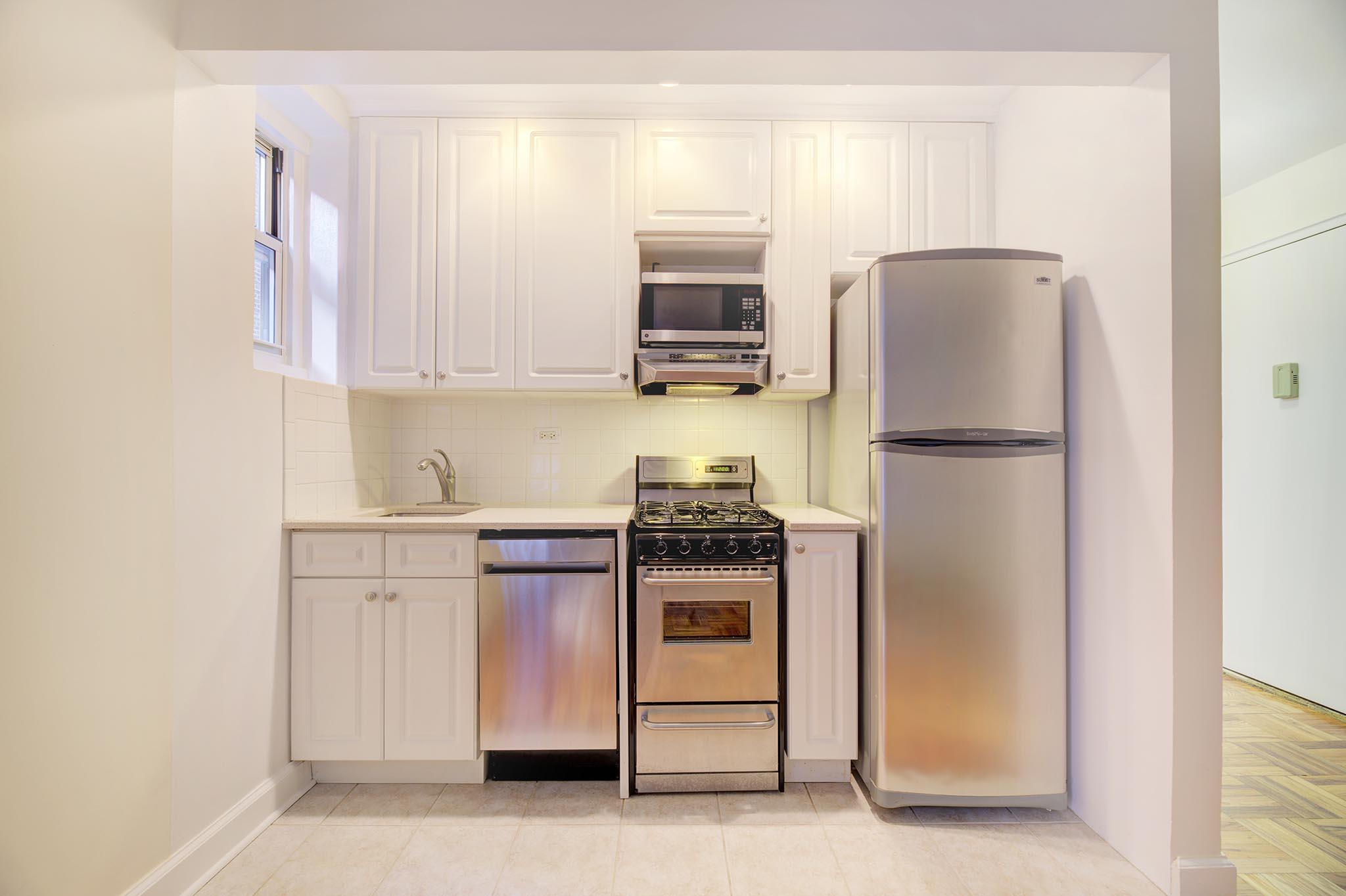 200 East 17th Street 1H Gramercy Park New York NY 10003