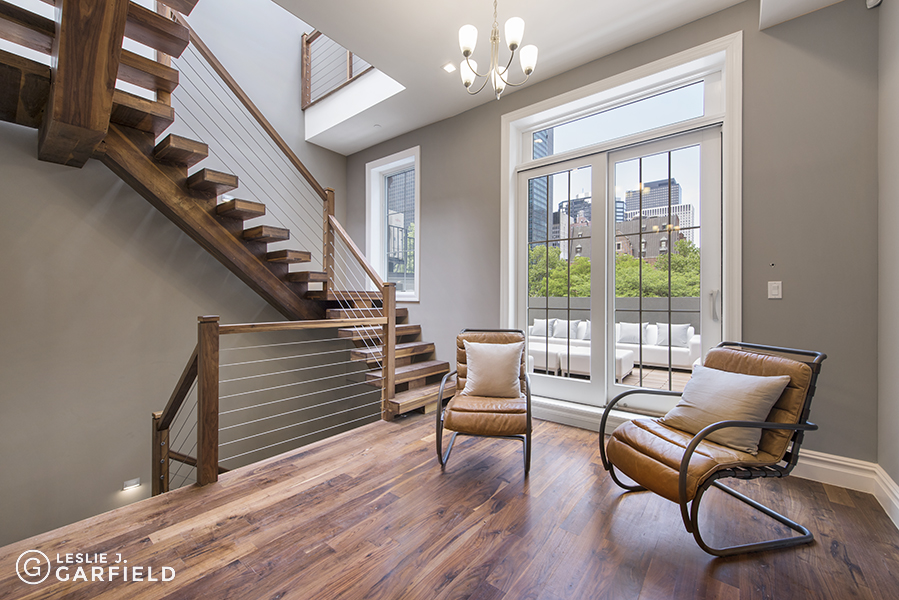 244 East 48th Street Interior Photo