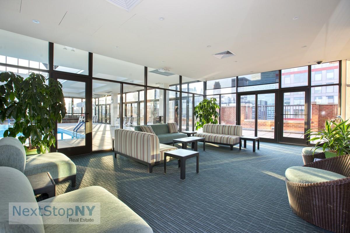 300 e 54th st 18f midtown east new york realdirect for 70 park terrace east new york ny