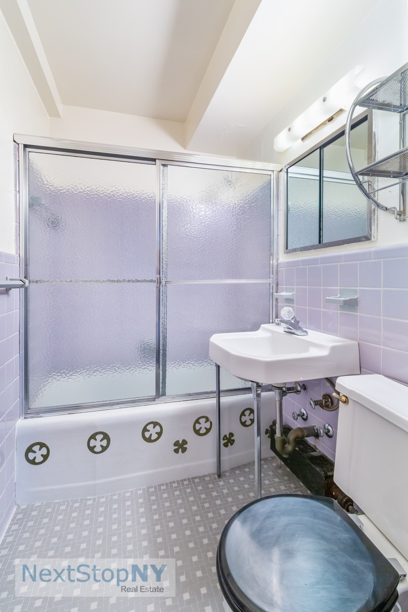37589490235 east 57th street 10e master bathroom