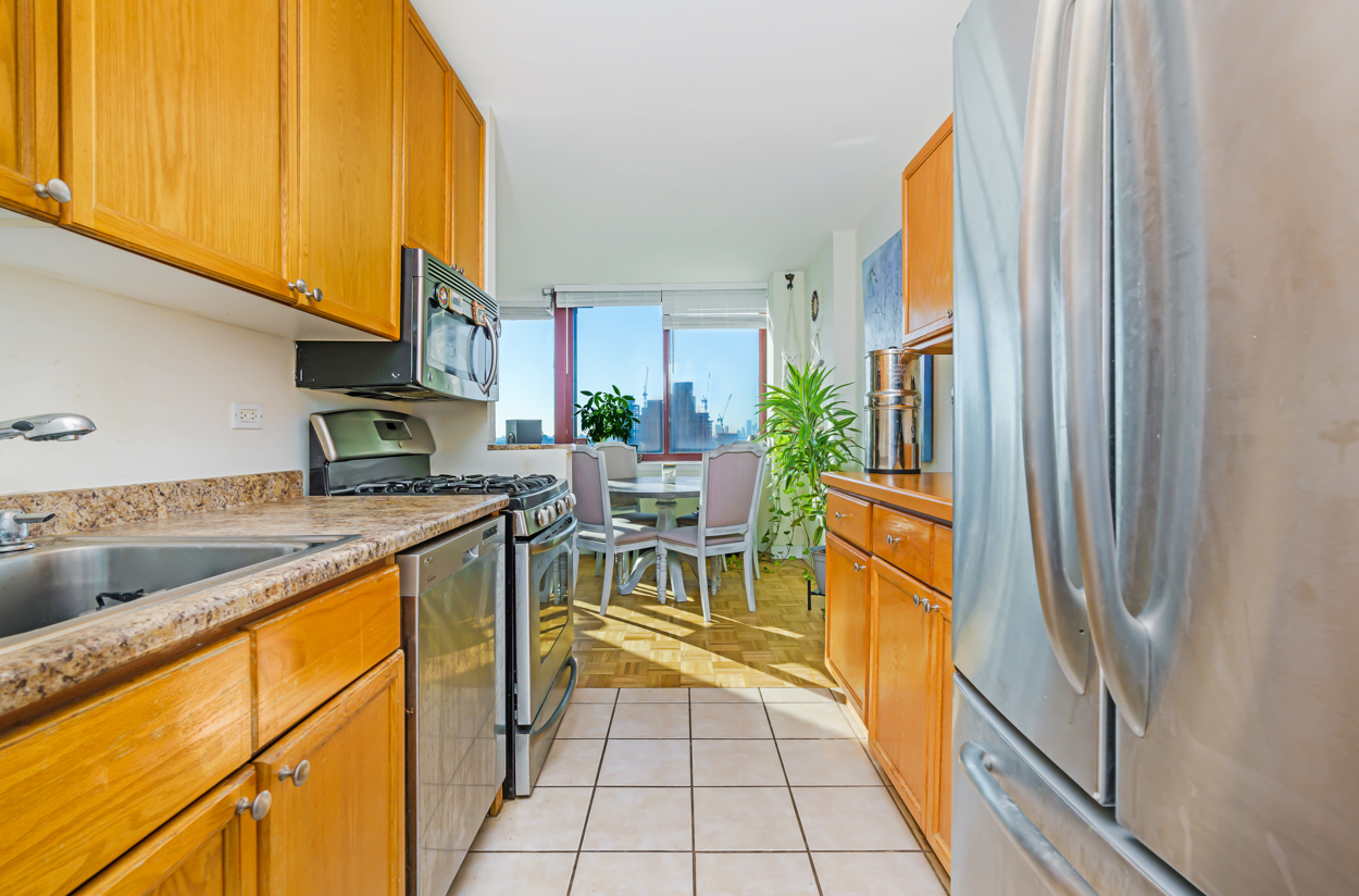 Apartment for sale at 4-74 48th Avenue, Apt 20J