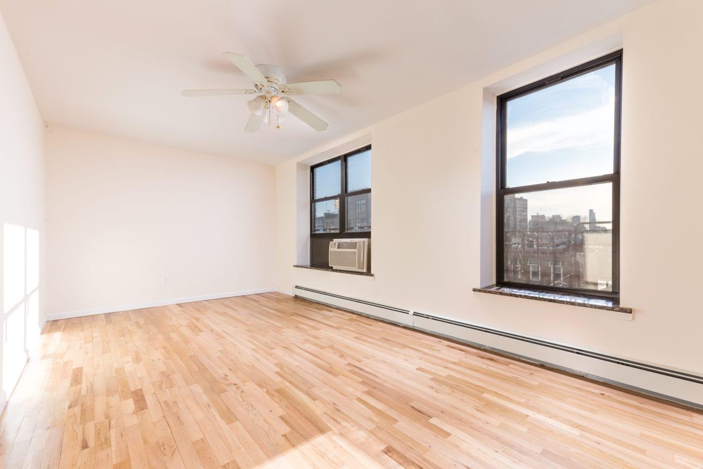 14-23 31st Avenue Astoria Queens NY 11106