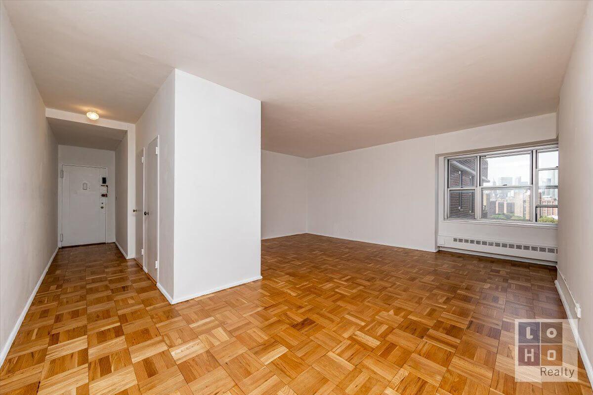 570 Grand Street Interior Photo